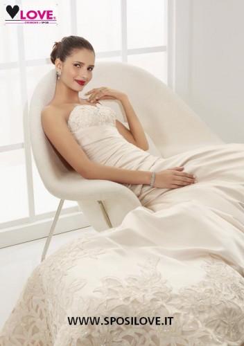 abito sposa milano love1.jpg