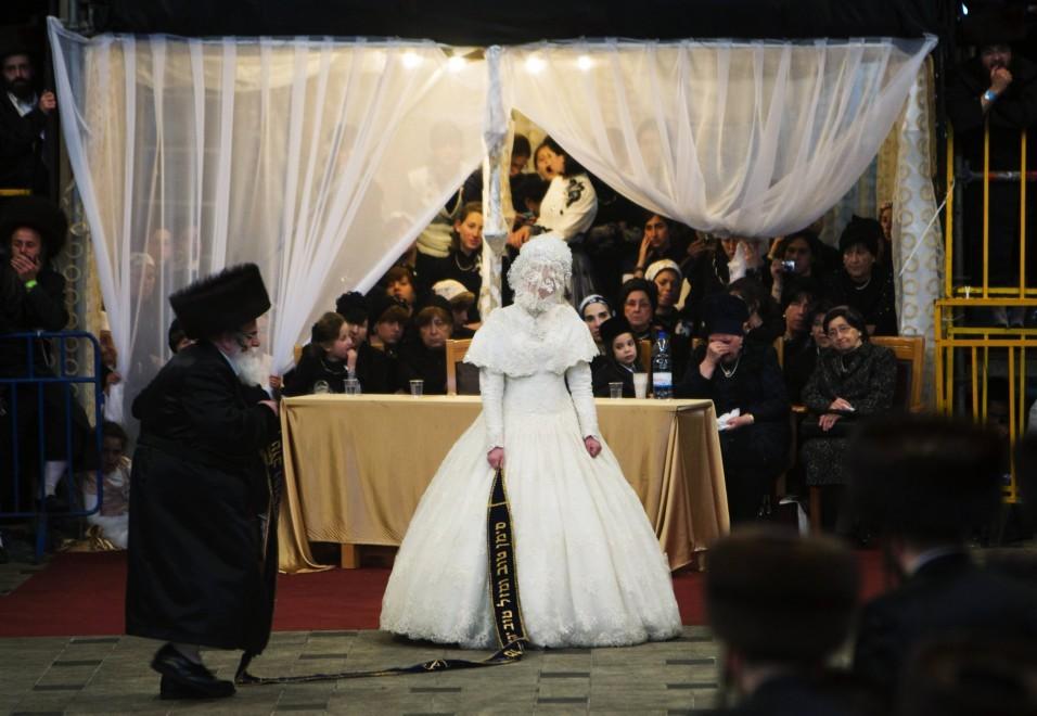 Matrimonio In Ebraico : Il matrimonio ebraico l abito della sposa e le sue