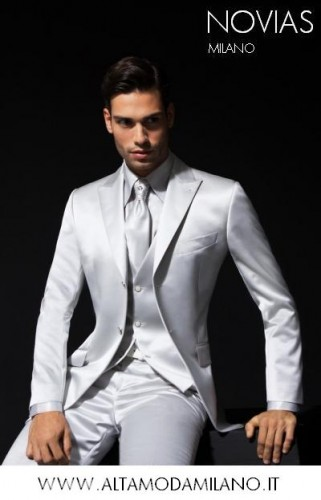 abito sposo bianco giacca 2 bottoni.JPG